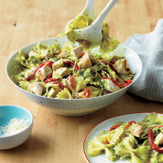Bow-Tie Pasta with Chicken and Pesto