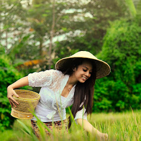 farming girl beauty by E-Graphic Rider - People Portraits of Women