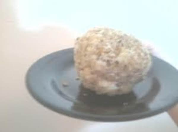 First Time Making A Cheese Ball, Tastes Like It Should! :d