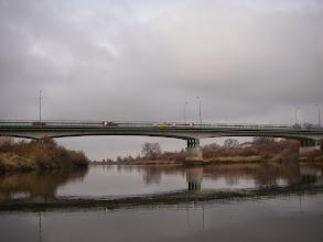 Photo: ...i most do niej prowadzący