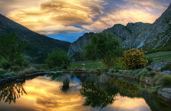 Photo: Some wicked sunset clouds in the Gibbston Valley (one of the many wine areas here)...