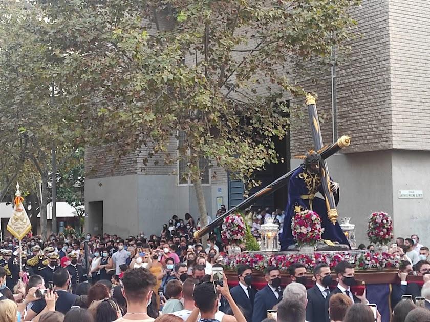 La primera procesión: Pasión sale a la calle