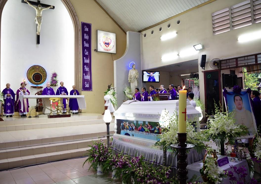 Thánh lễ an táng Cha Giuse Trần Ngọc Tâm - Chánh xứ Xuân Đức - Ảnh minh hoạ 15