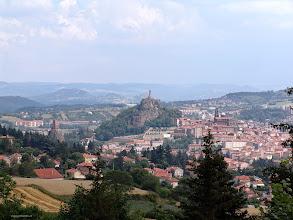 Photo: Le Puy-en-Velay.Auvernia ( Francia) http://www.viajesenfamilia.it/