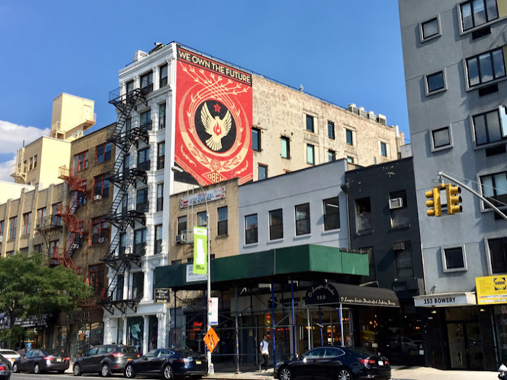 The mural above 161 Bowery.