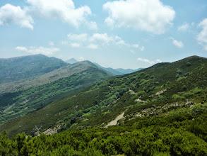 Photo: Οι κορυφογραμμές των βουνών του Καβοντόρου και στο βάθος ο Γιούδας.