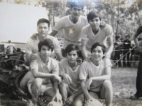 Photo: Đoàn Nông Gia Tương Lai Đất Nâu (NLSBD) cắm trại tại Gò Đậu 1974: Túc cầu giao hữu giữa các đoàn NGTL