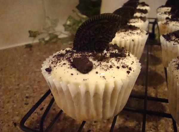 Cookies-n-cream Cupcakes Recipe