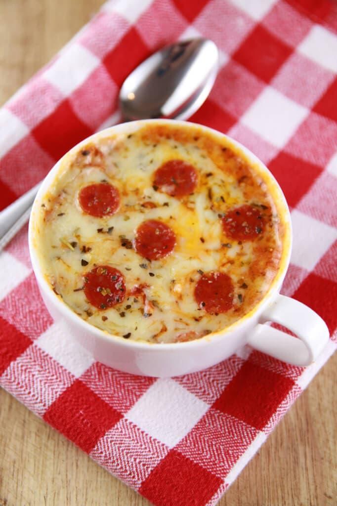 Pepperoni pizza in mug