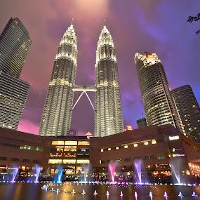 Petronas Twin Towers by Jaime Singlador - Buildings & Architecture Office Buildings & Hotels ( petronas )