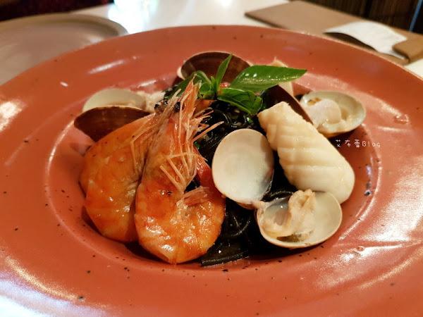 BoBo Rose Coffee 華麗麗的南洋叢林風~森林系網美餐廳。