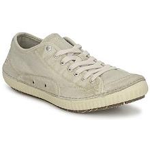 Photo: SKECHERS Skynda på att beställa denna sneaker som passar till allt!   http://www.spartoo.se/Skechers-GRITCHI-x133862.php?track_id=facebook