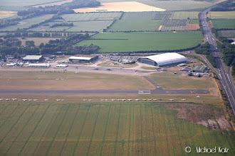 Photo: Endelig Duxford. Spitfire takser inn fra banen.