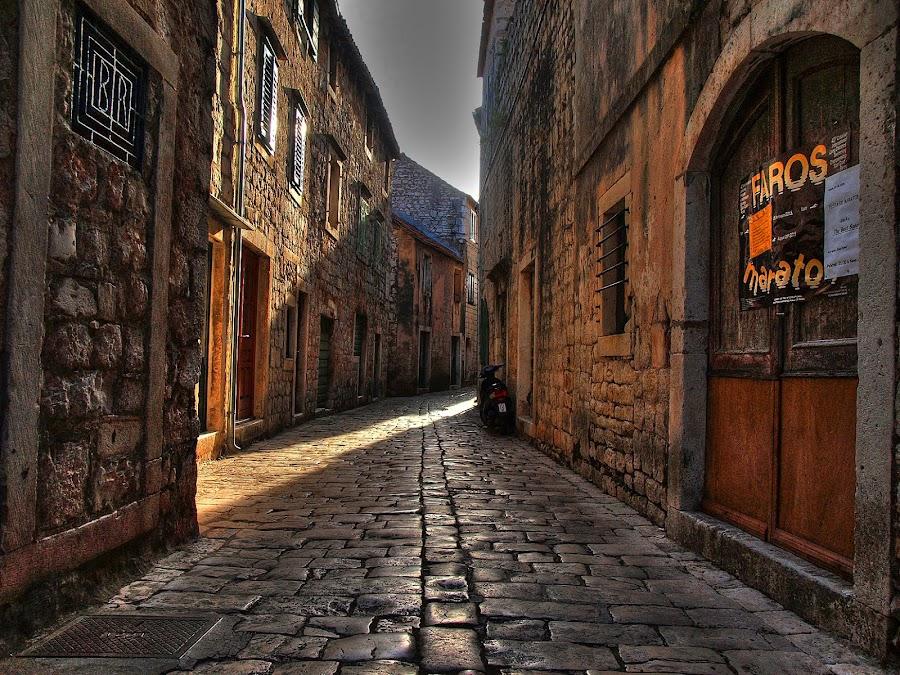 by Petar  Botteri - City,  Street & Park  Street Scenes