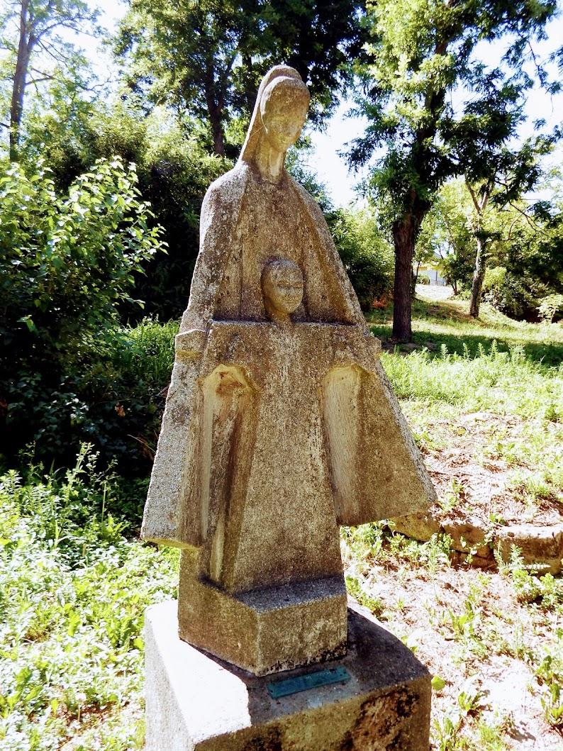 Vál - Pannonhalmi Szűzanya-szobor