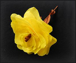Photo: Flori din hârtie creponată Florile se pot vinde şi separat 3 lei/buc. pentru mai mult de 10 buc. sau 4 lei/buc. pentru fiecare Fiecare piesă este unicat. Nu mai este în stoc
