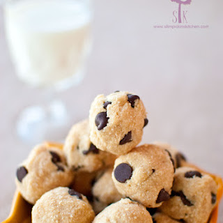 Grain Free No Bake Chocolate Peanut Butter Coconut Cookie Dough Balls