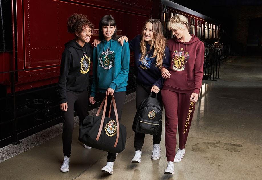 8-sorbos-de-inspiracion-Harry-Potter-en-Primark-Calcetines-bolso-zapatillas-chandal-sudaderas