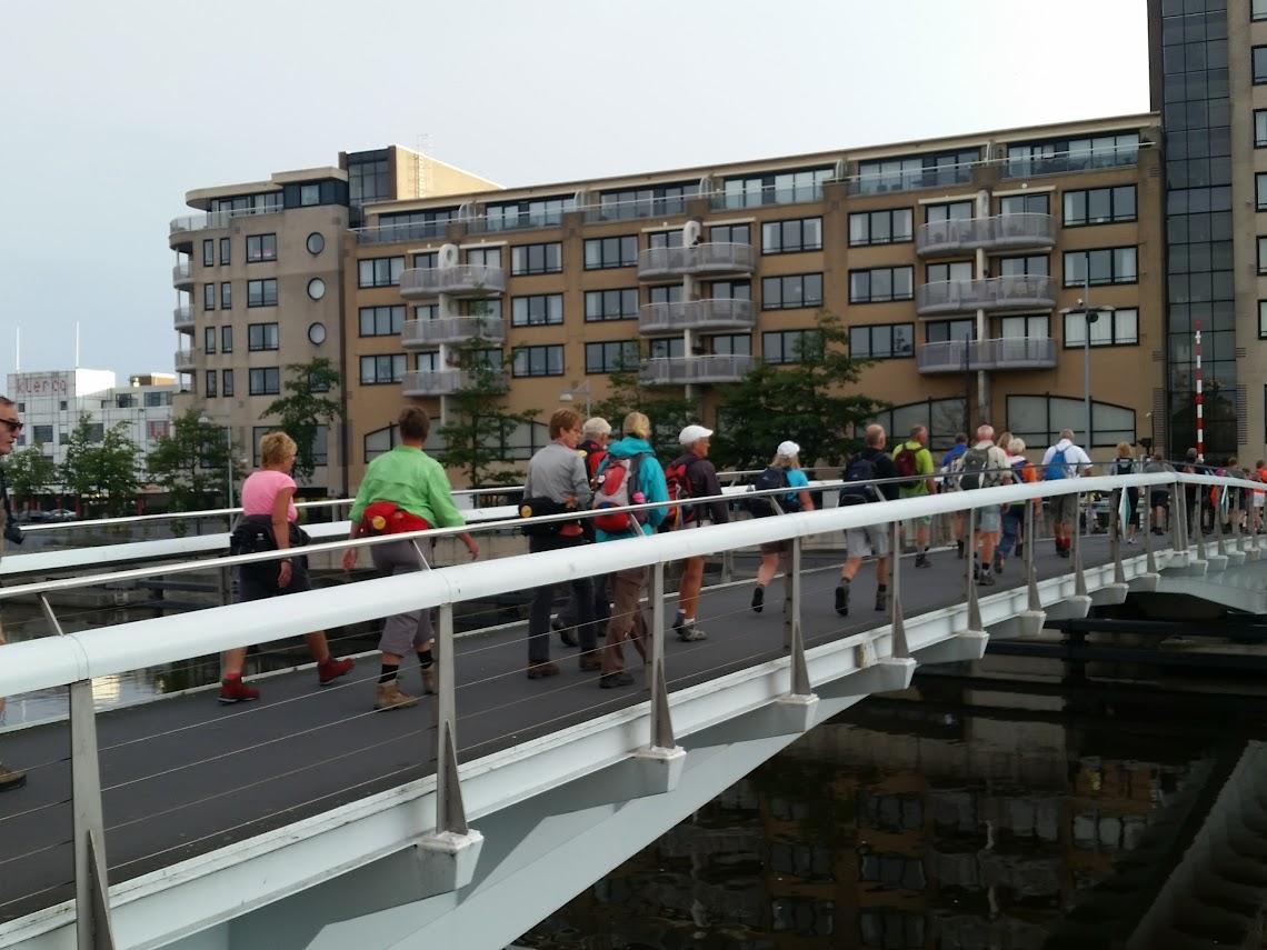 Over de Ringersbrug naar de Noorder Arcade