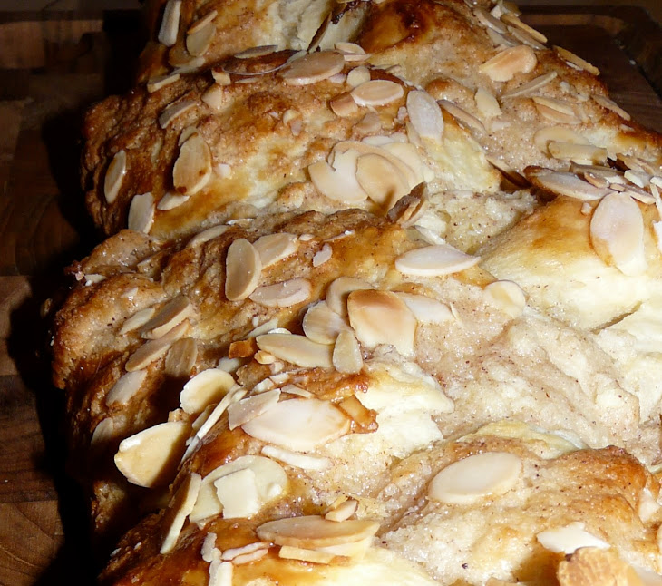 Danish Braided Bun with Almonds Recipe