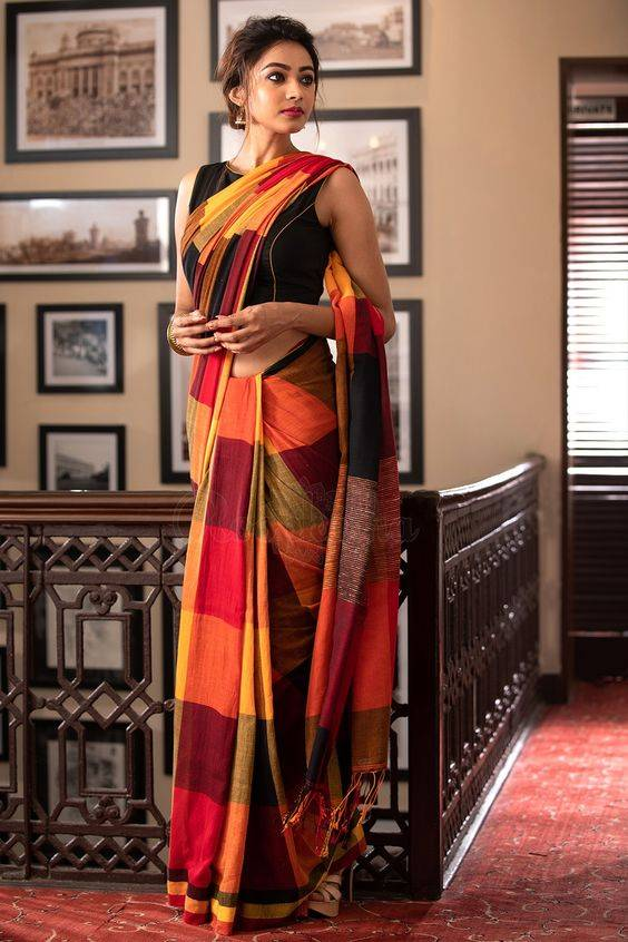 things-to-buy-for-your-wedding-saree-image