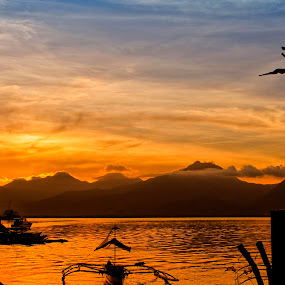 Puerto Princesa Baywalk Park by Teng Formoso - Landscapes Waterscapes