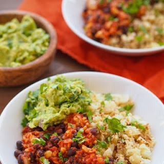 CHIPOTLE TEMPEH AND CAULIFLOWER RICE BOWL WITH KALE GUACAMOLE