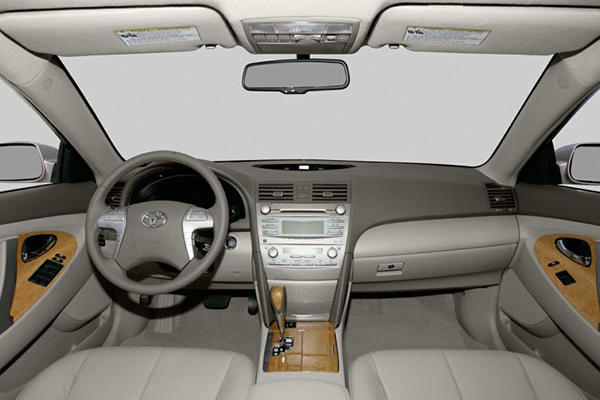 cabin-of-the-Toyota-Camry-2007