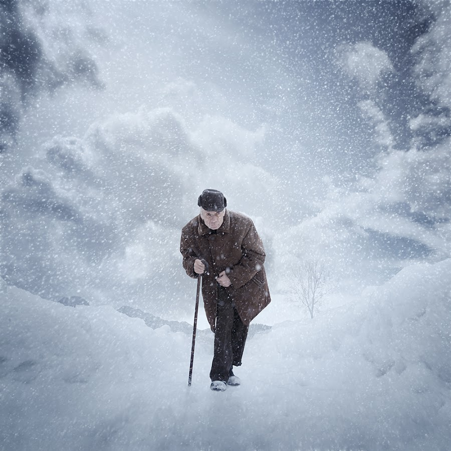 Strong winter by Caras Ionut - Digital Art Places ( water, walking, old, tutorials, withe, maniputation, winter, sky, ice, snow, smok, boy, man, photoshop )