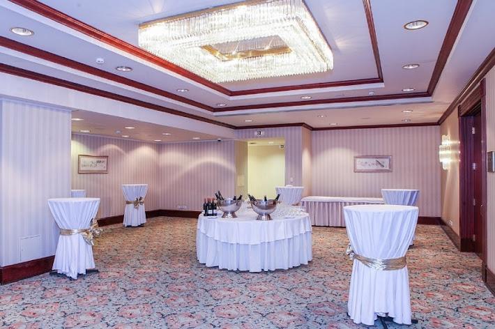 Фото №7 зала Банкетный зал «Петровский»