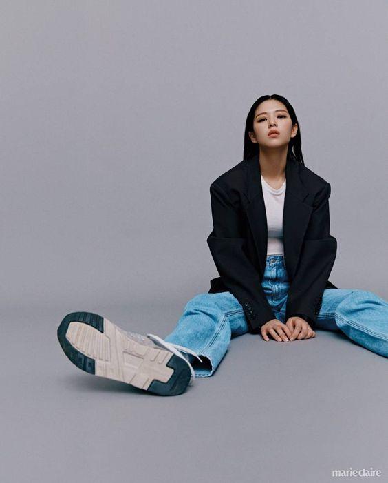 jeongyeon suit 53
