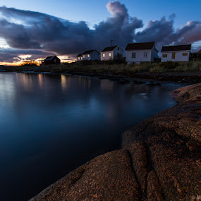 Fishing cottages at Saltholmen by Morten Pettersen - Landscapes Sunsets & Sunrises ( sky, saltholmen, sunset, saltnes, råde, cottages )