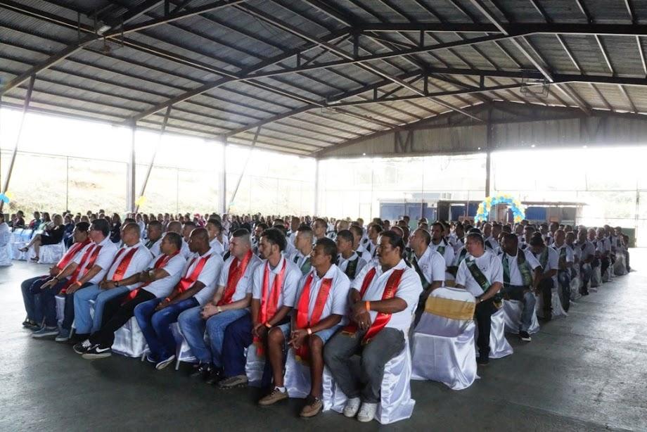819 PRIVADOS DE LIBERTAD SE GRADUARON DESDE LOS CENTROS PENITENCIARIOS