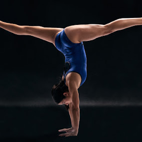 Holland Split by Braxton Wilhelmsen - Sports & Fitness Other Sports ( retouching, sports, advertising, athlete, gymnastics, photography, braxton wilhelmsen, photoshop )