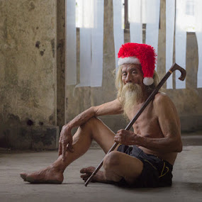 What Gift You Want Kids? by Andi Kurniadi - People Portraits of Men ( santa claus, old man, people,  )
