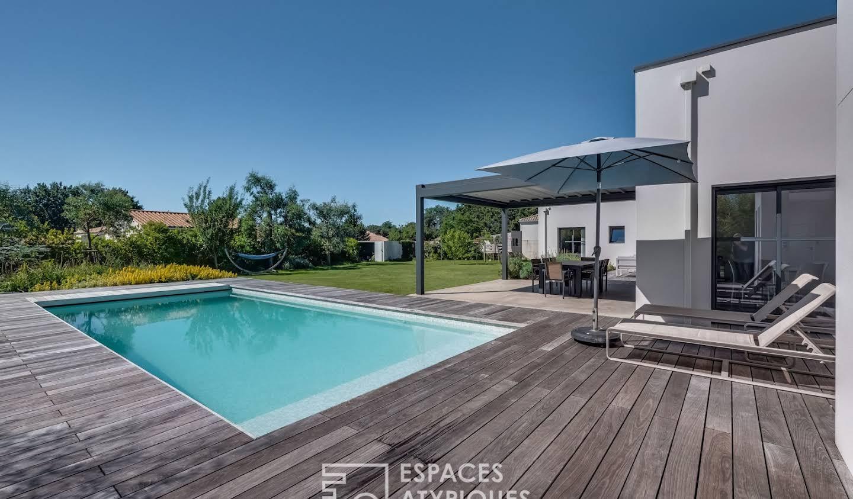 Maison avec piscine et terrasse Talmont-Saint-Hilaire