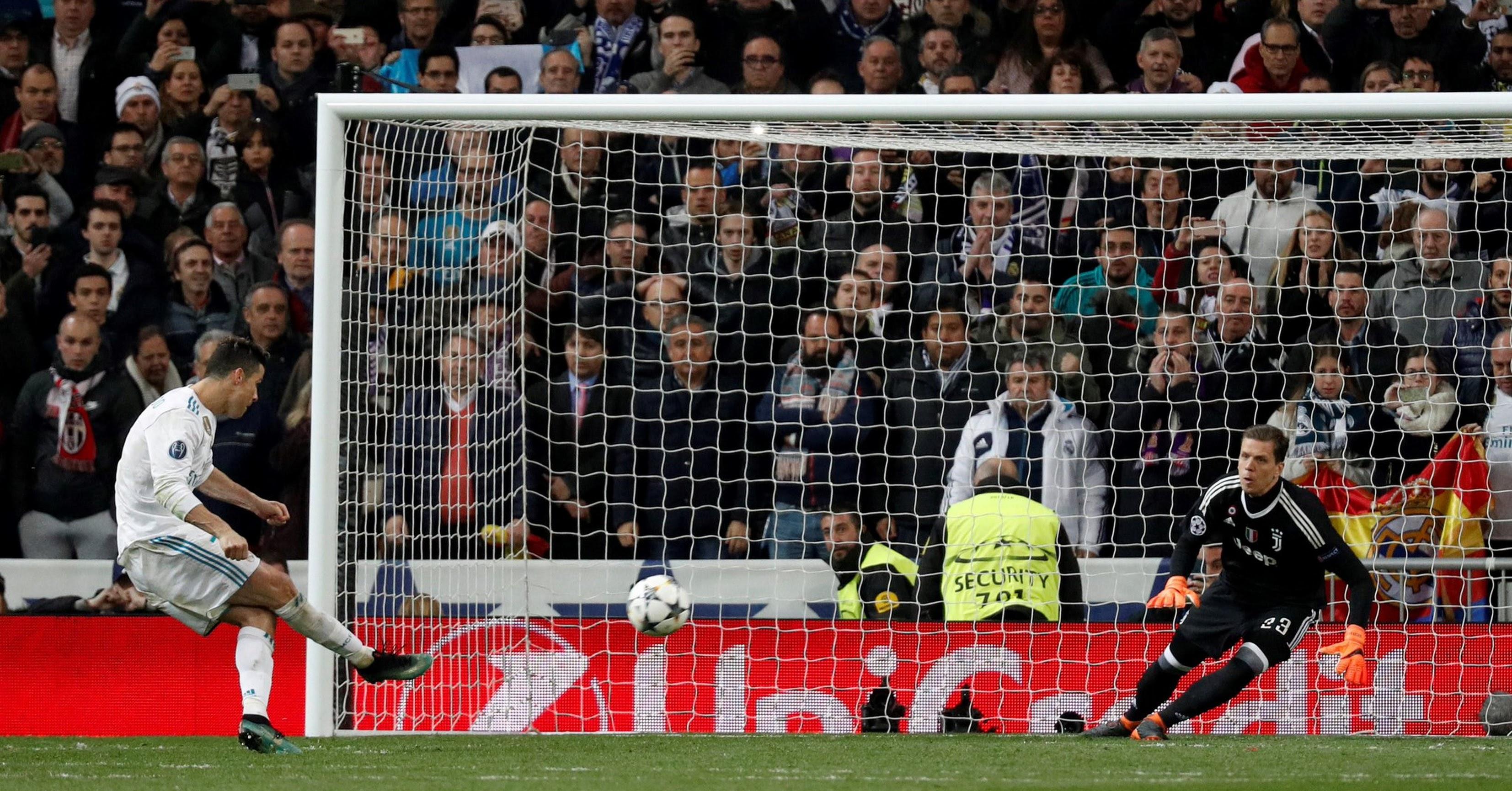 Momento en el que Cristiano marca de penalti.