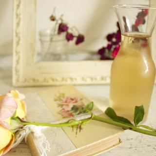 How to  Make Fresh Rose Water