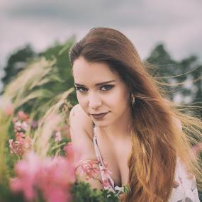 Oliwia by Grzegorz Wagner - People Portraits of Women ( makeup, oczy, br?zowe oczy, blue sky, pretty, pi?kno, woman, beauty, young, brown eyes, girl, portrait, cute, eyes, eye, face, hair, oliwia pop?awska, model, lake, modelka )