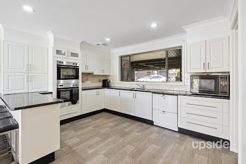 Photo of property at 9 Bradley Place, Ruse 2560