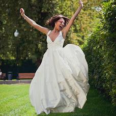 Wedding photographer Aleksandra Burilina (DiHHka). Photo of 24.12.2014