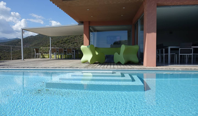 Propriété avec piscine et jardin Conca