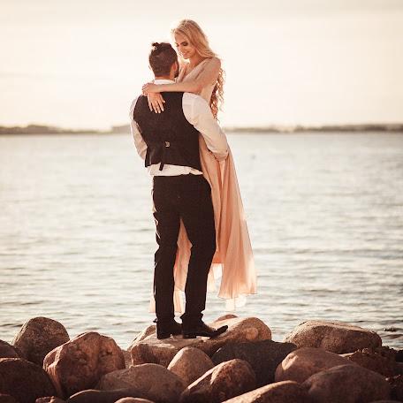 Wedding photographer Inna Sheremet (innasheremet70). Photo of 03.02.2016