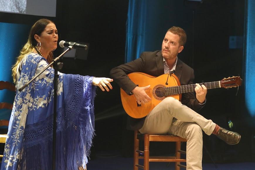 Actuación de Sonia Miranda.
