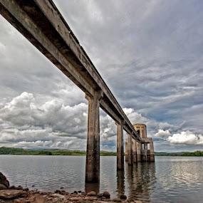 Caliraya Dam by Mj Loyola Ganitano - Landscapes Waterscapes