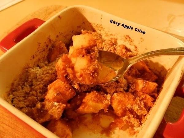 Easy Apple Crisp (served With Vanilla Ice Cream!) Recipe