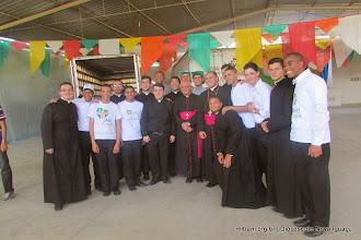 Photo: OS SIMBOLOS DA JORNADA  MUNDIAL DA JUVENTUDE 2013  EM BELFORD ROXO / DIOCESE DE NOVA IGUAÇU-  EQUIPE DE PETRÓPOLIS  COM DOM LUCIANO E DOM GREGÓRIO