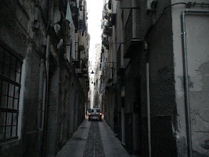 Photo: Yalnız tek araba.  One car only - Cagliari