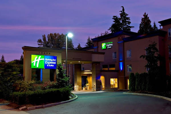 Holiday Inn Express Hotel and Suites Surrey