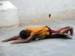 Photo: Pilger am Stupa